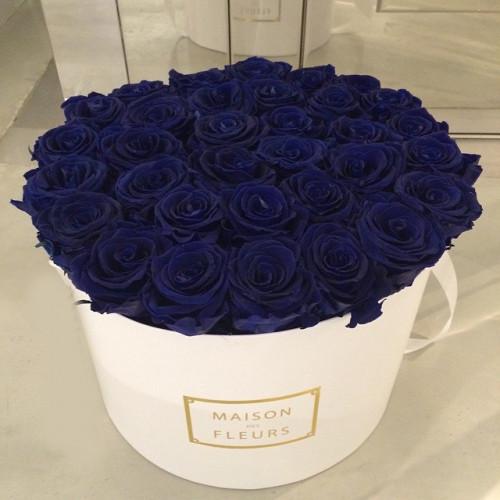 Купить на заказ Заказать Синие розы в коробке Maison с доставкой по Богровое  с доставкой в Боровом