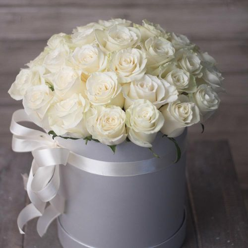 Купить на заказ Заказать 31 красная роза в коробочке с доставкой по Богровое  с доставкой в Боровом