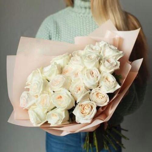 Купить на заказ Заказать Букет из 31 белой розы с доставкой по Богровое  с доставкой в Боровом