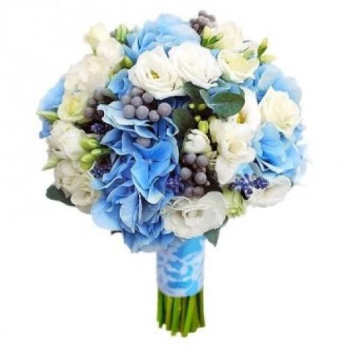 Купить на заказ Букет невесты из гортензий, фрезий и эустом с доставкой в Боровом