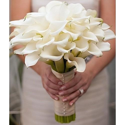 Купить на заказ Букет невесты из 37 калл с доставкой в Боровом