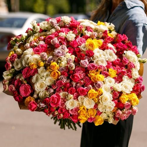 Купить на заказ Заказать Букет из 101 спрей розы с доставкой по Богровое  с доставкой в Боровом